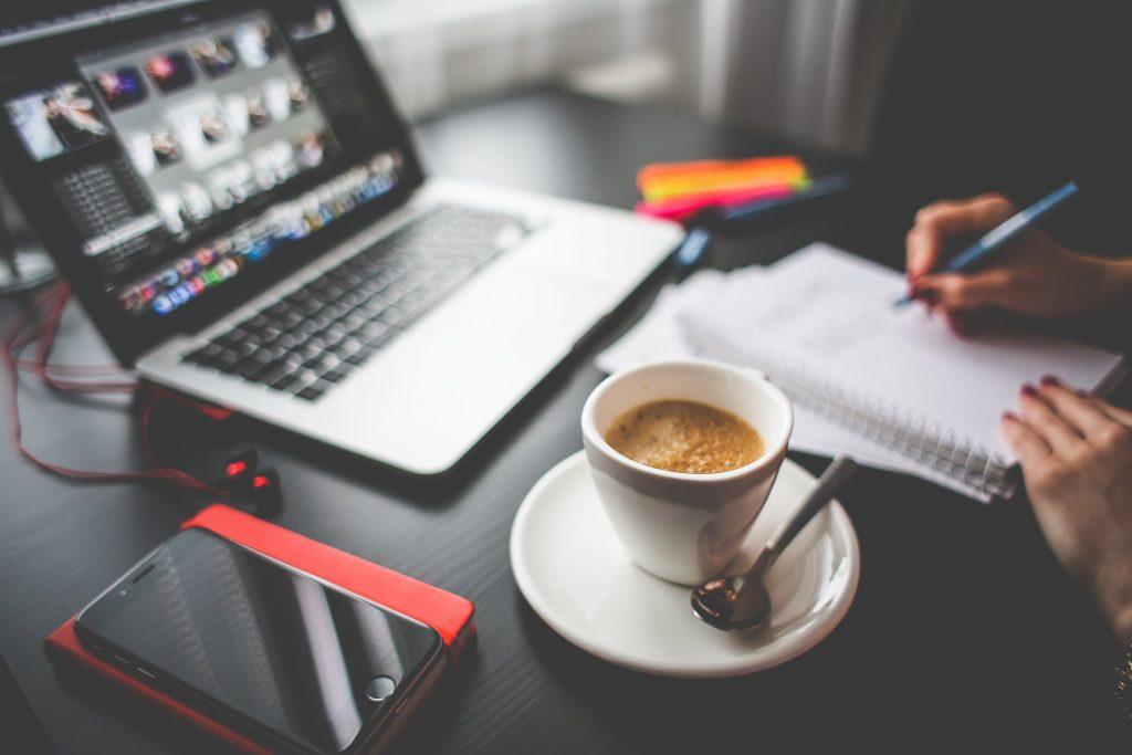 Tips om thuis aan de keukentafel te werken