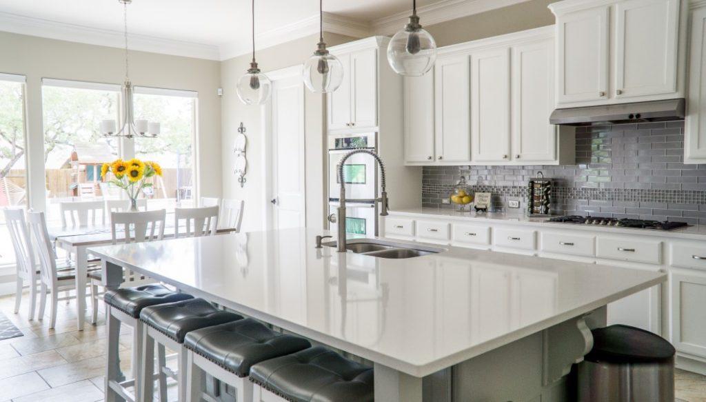 Enkele tips voor natuurlijke lichtinval in de keuken